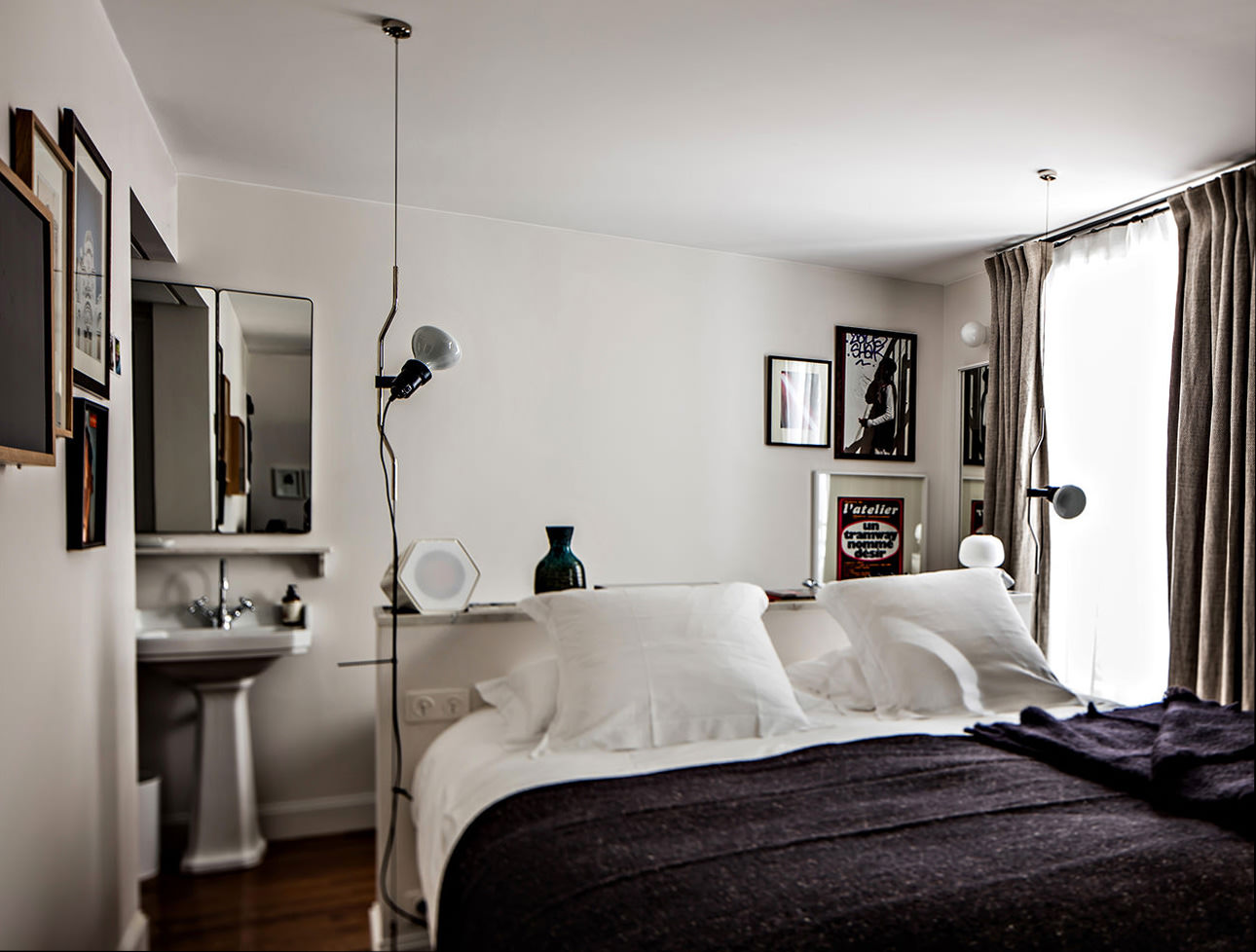 le-pigalle-double-hotel-room-king-size-bed-decor