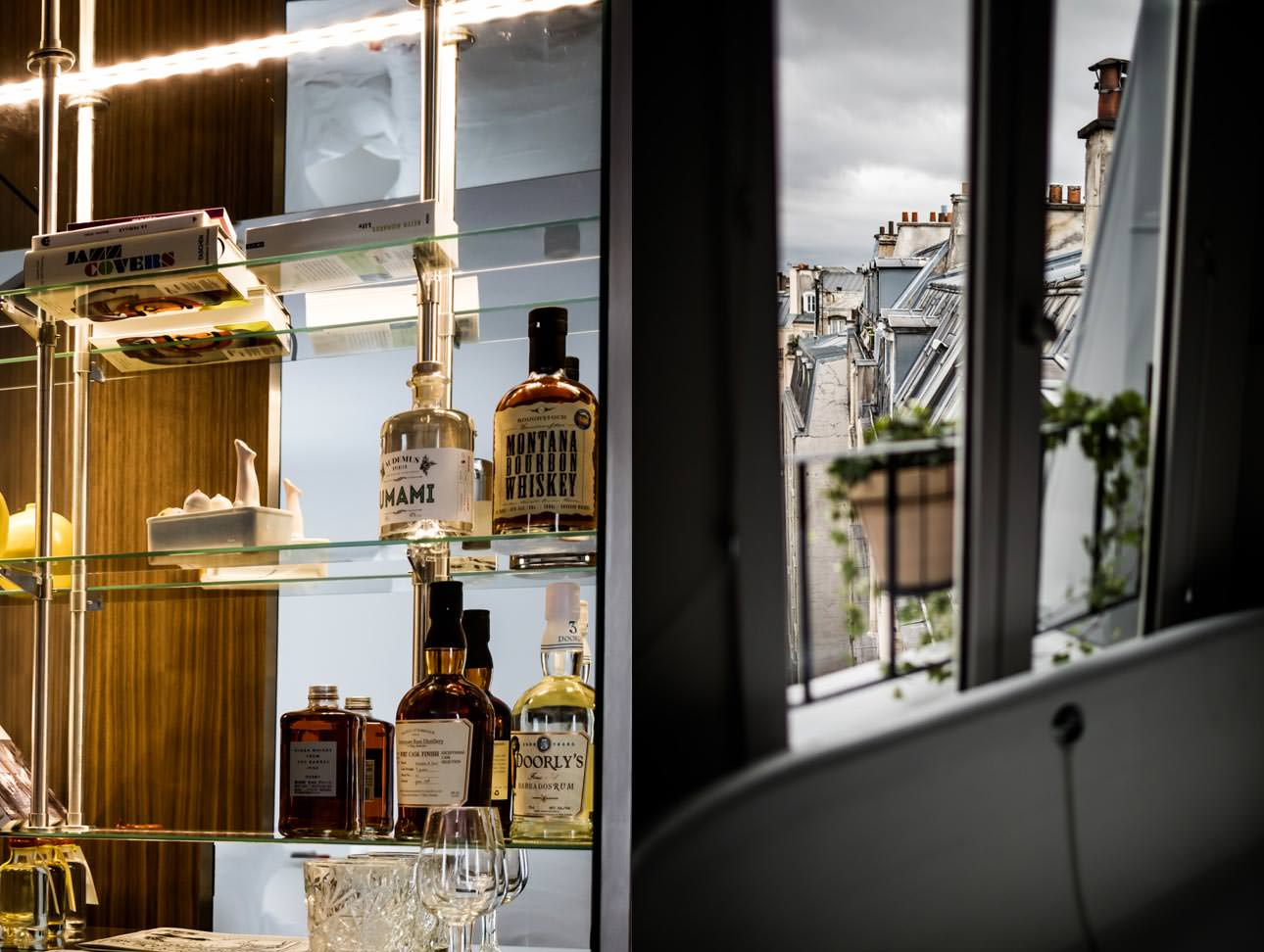 le-pigalle-hotel-minibar-room-with-view-paris