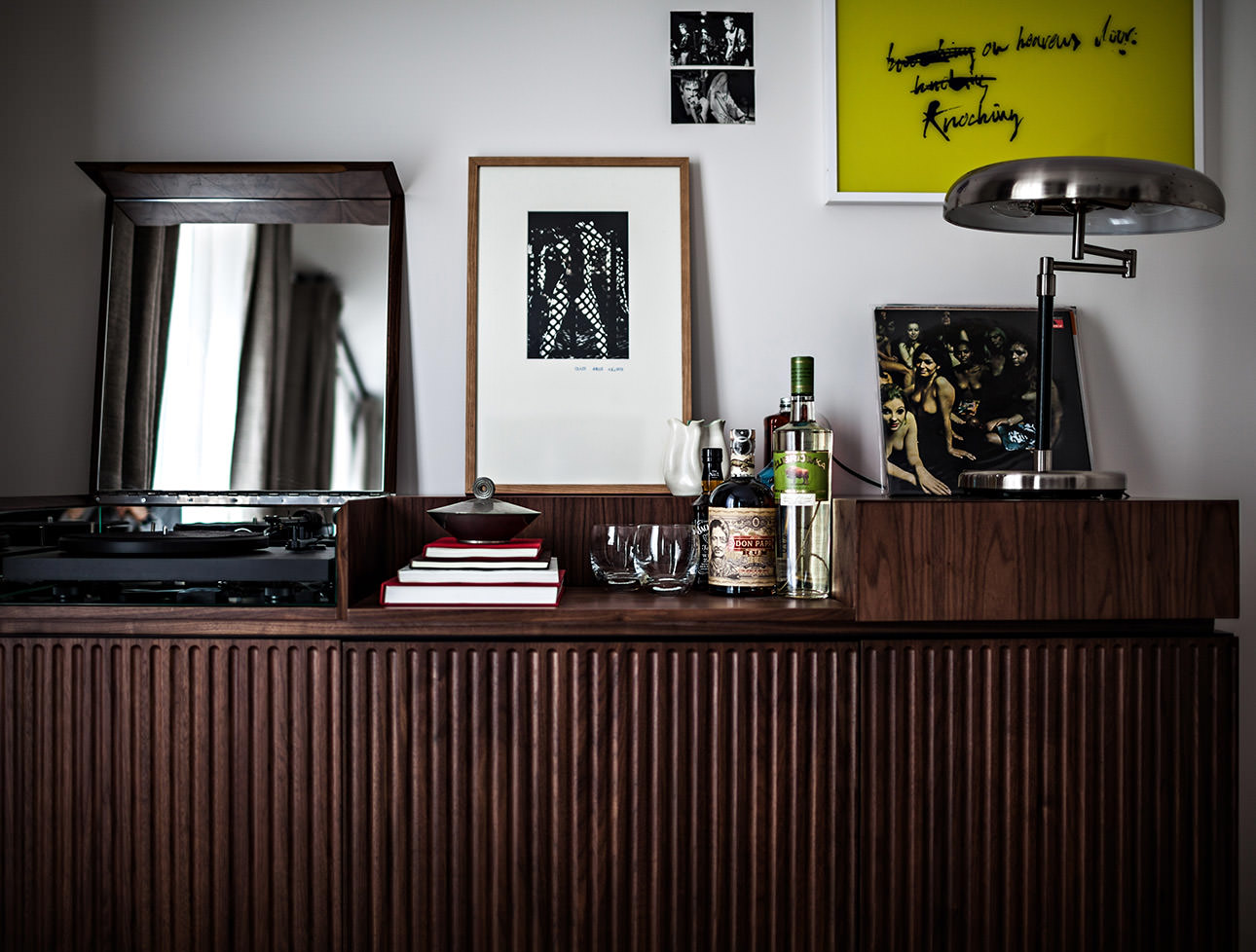 le-pigalle-hotel-room-minibar-turntable-record-player